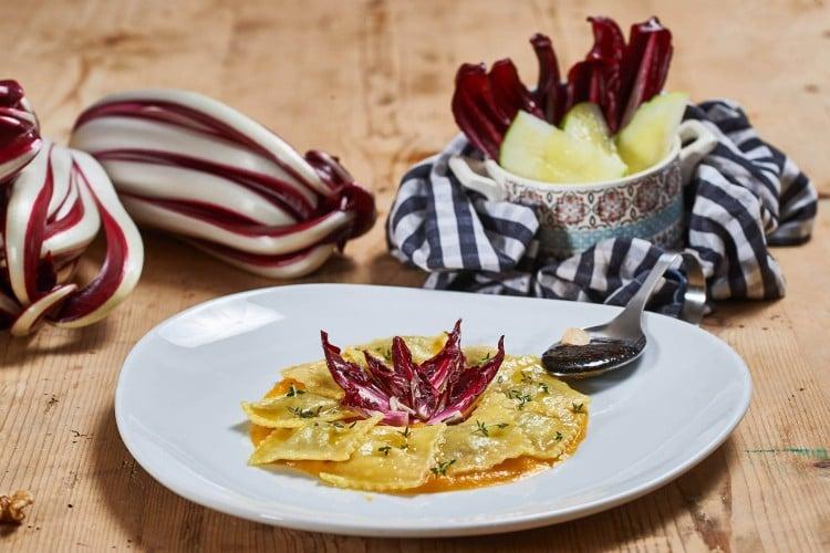 Ravioli vegan al Radicchio rosso di Treviso IGP su crema di zucca